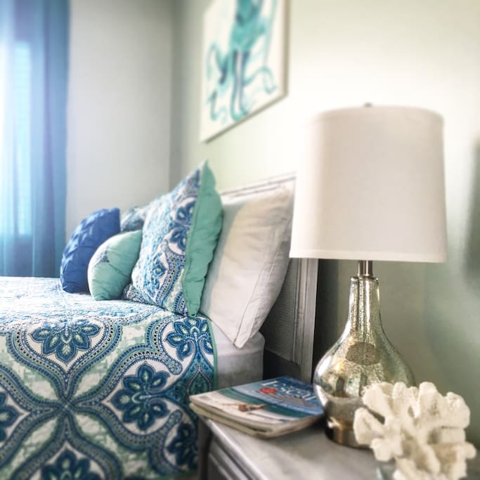 Fresh, clean linens and plenty of comfy pillows are waiting for you. USB phone chargers are in the lamps so you can easily charge your devices.