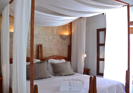 Landhotel wiht sea view - Ses Salines - Boutique-Hotel