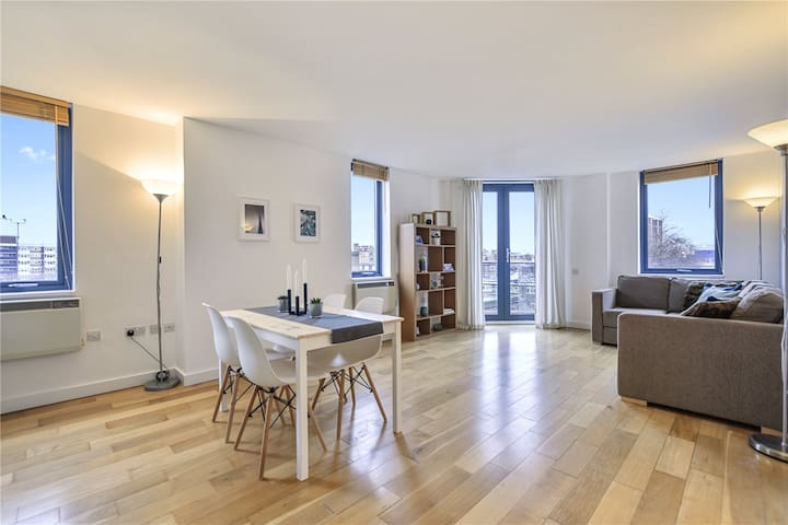 Cosy and Quiet Bedroom En-suite