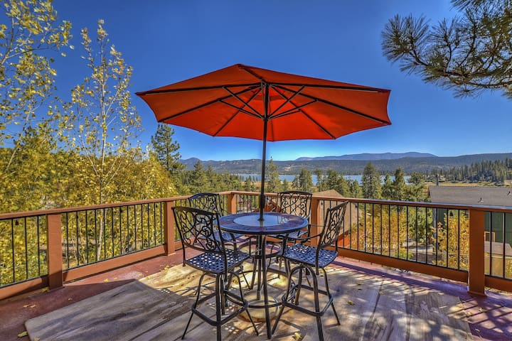 A Heavenly View: Views in Custom North Shore Home!