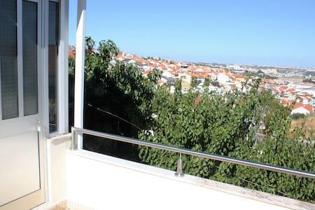 Loft over Lisbon - Pontinha