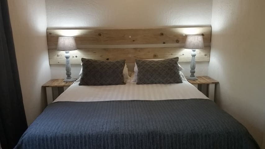24 Degrees Self Catering - Chalet 1