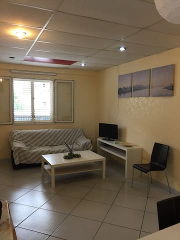 Appartamento indipendente - Lentini - Departamento