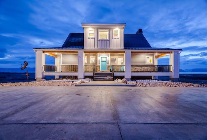 Blue Bear Lake House - Sleeps 22