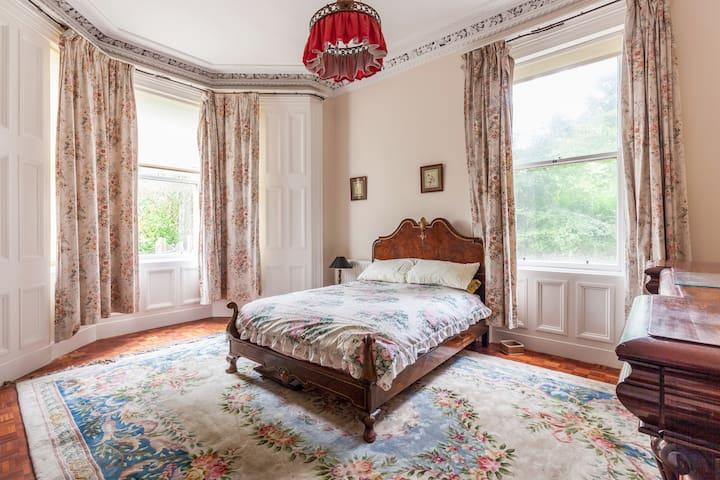 Art Deco- Queen's University-A Rose Room