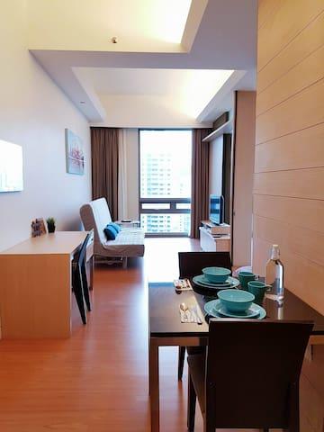 Bukit Bintang 1BR 4-6Pax Suites