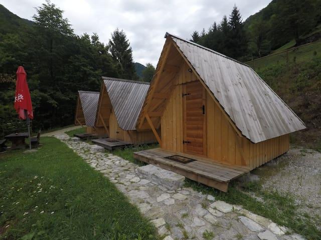 Hiška Tiana