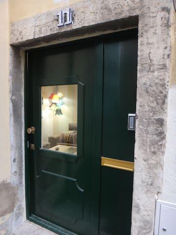 Rossio Cozy&charming flat, metro 2 minutes walking