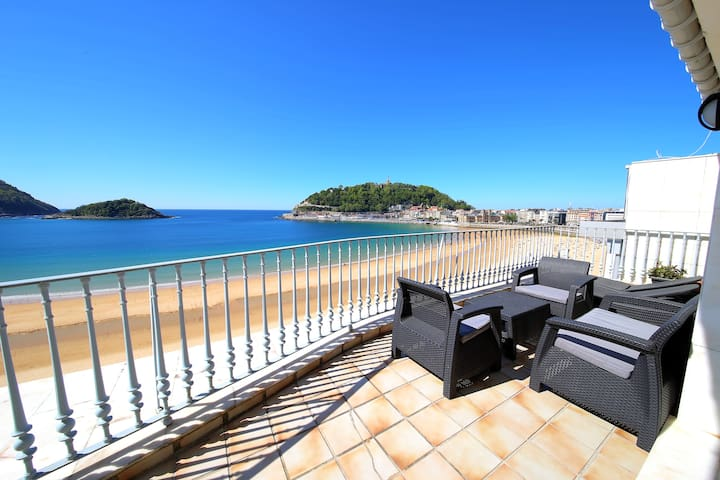Amazing first line Concha beach + PARKING optional - Donostia - 公寓