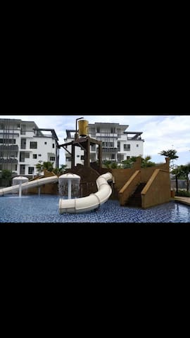 Enjoy & Vacation at the Beach - Kuantan - Apartamento