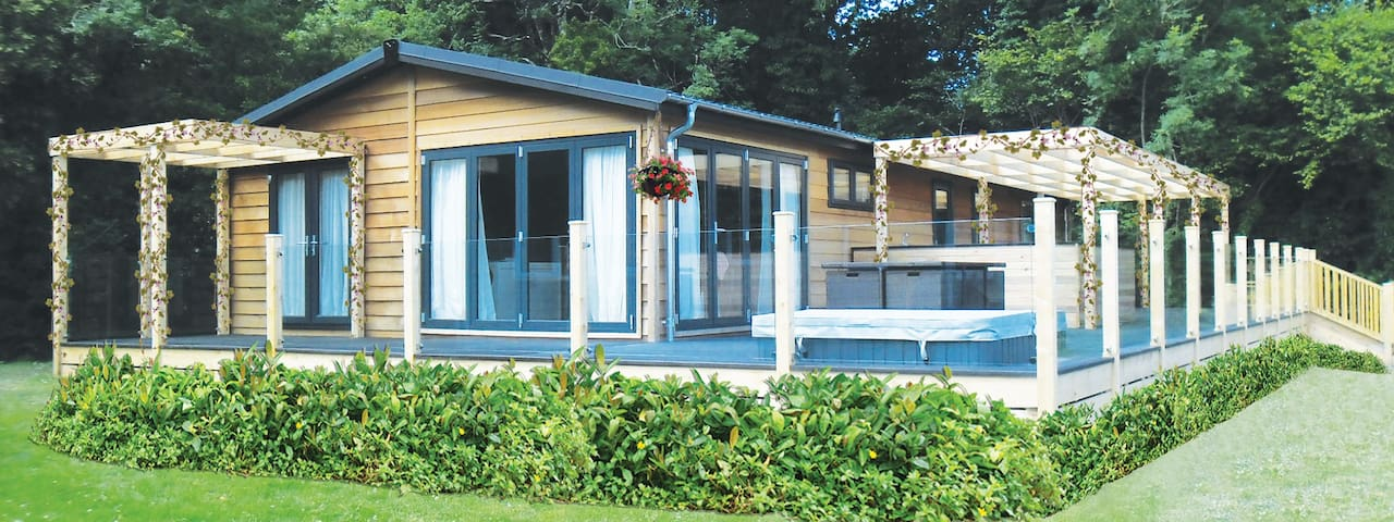 3 Bedroom Autograph Lodge at Norfolk Park - North Walsham - Alpstuga
