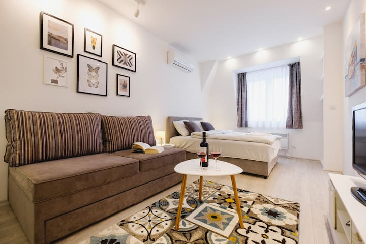Hana Lux, modern apartment, great location