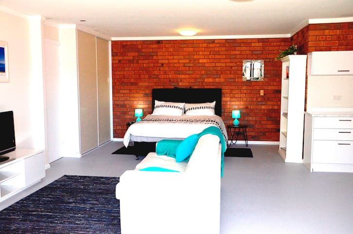 Studio Apartment - Cherrybrook
