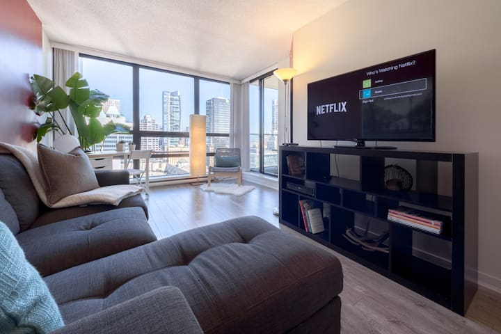 Central Downtown Vancouver Condo Parking Netflix - Vancouver - Apartment