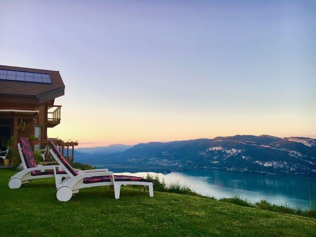 Chalet entre lac et montagne, vue exceptionnelle!