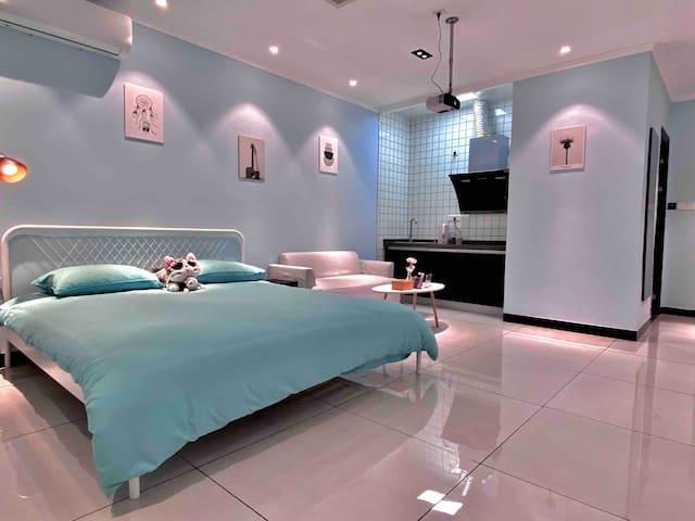 长安·觅境/钟鼓楼/回民街/地铁口/简约投影大床房