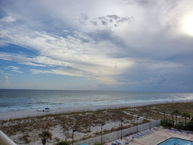 Salt Air No Care! Gulfside Condo-Gated-Pool-Spa