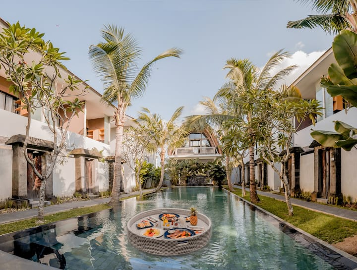 8 Hours Experience Stay at Peaceful House Seminyak