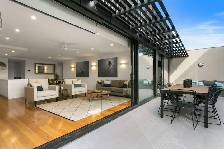 Sorrento, Collins Quarters Apartment