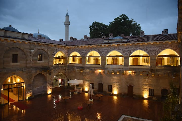 Merzifon Tarihi Taşhan Otel