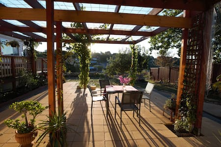 Doctor's Gully View Apartment and Artist Retreat - Daylesford - Apartmen