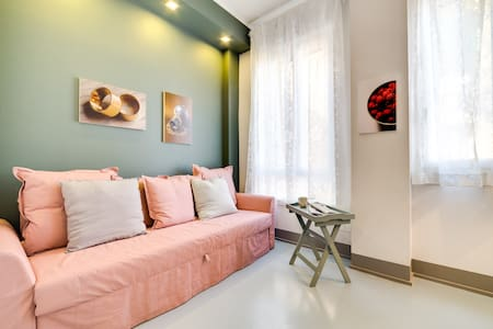Modern and Cosy 1 Bed Flat Close to Colosseum - 羅馬
