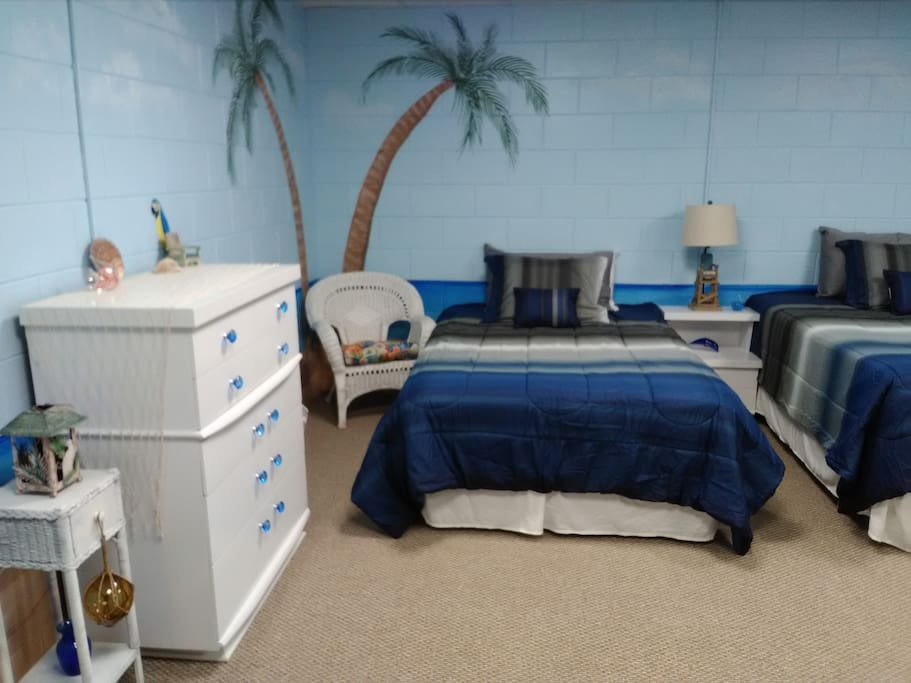 Themed Hotel Rooms In Peoria Illinois
