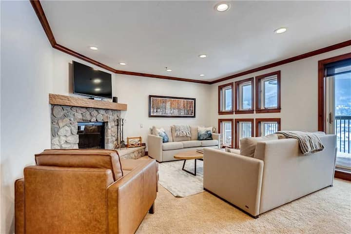 Spacious 2BD Ski in/out Beaver Creek Condo
