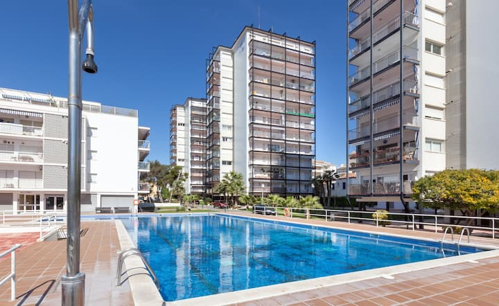 DIEGO: With views and  pool. 5 min. to the beach