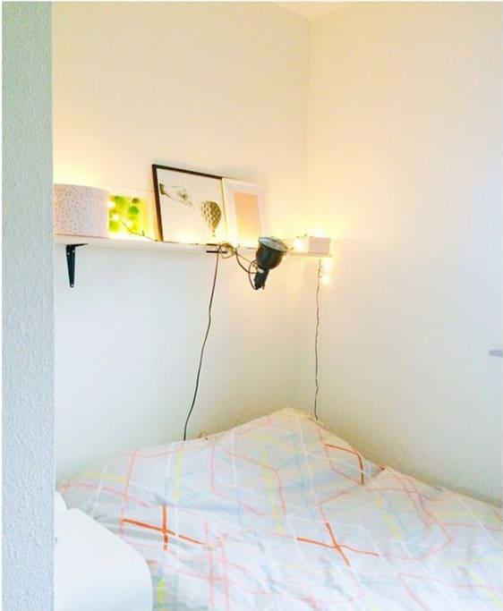 Soveværelse, i stueetage.