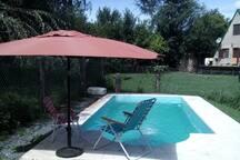 PILETA EXCLUSIVA para vos y tu familia. Sombrilla con sillones y reposeras para que disfrutas de tus dias en Estancia Vieja.