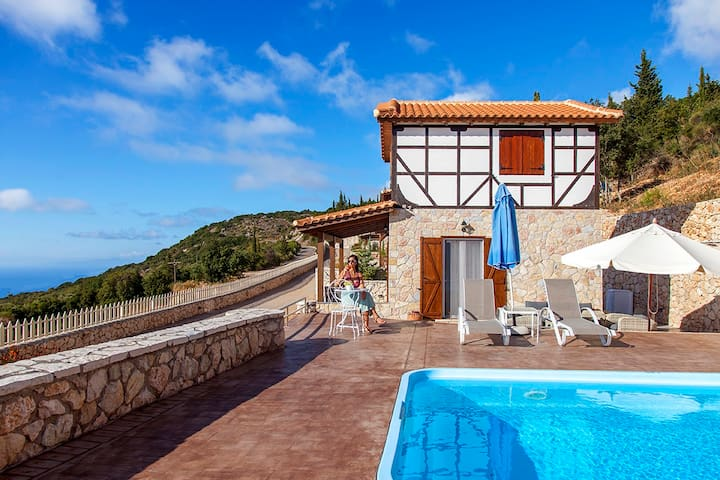 2020 Offer...Villa Arenaria With Pool for families