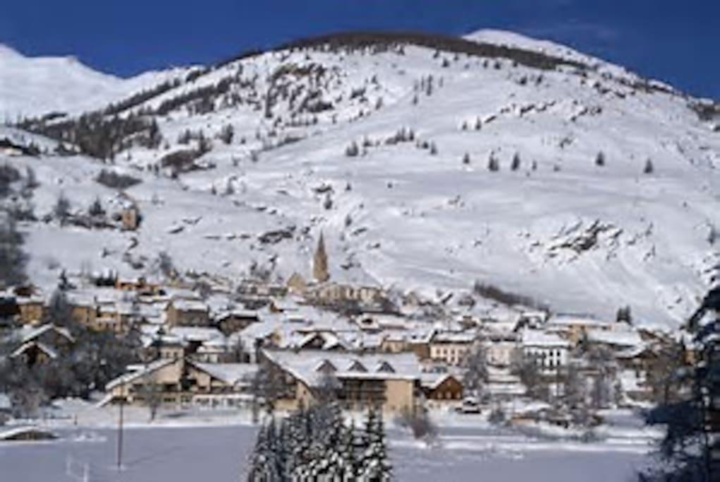 Village d'Aiguilles l'Hiver