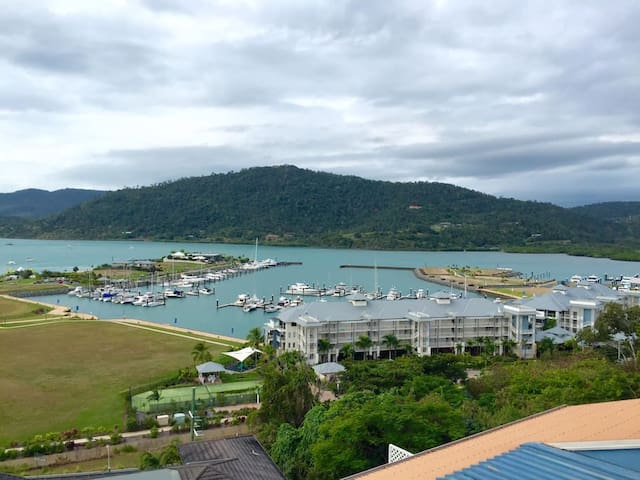 Airlie BEACH Sea View Studio Free WIFI