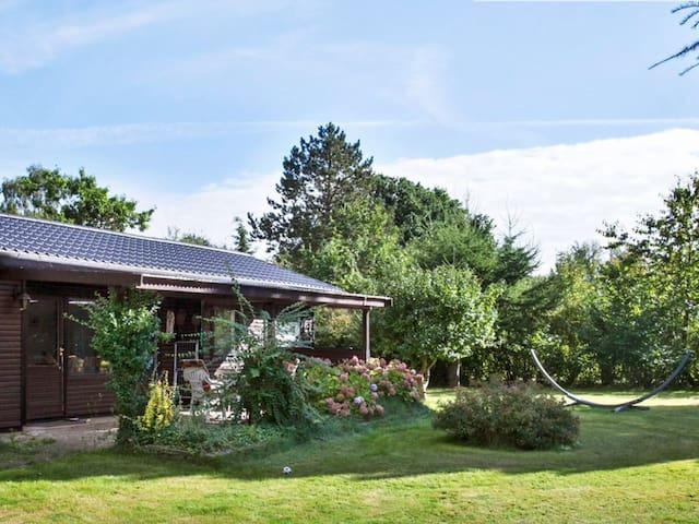 Eskebjerg hyggelig feriebolig/COSY COTTAGE