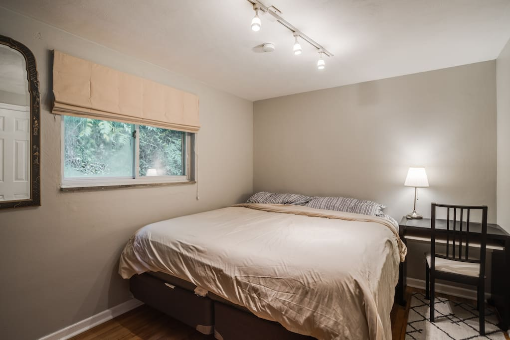 "Private guestroom complete with a king size bed, work station, and a 40"" Samsung TV!"