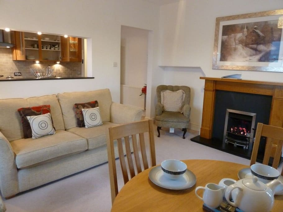 Helvellyn, lounge, Lakes Cottage Holidays
