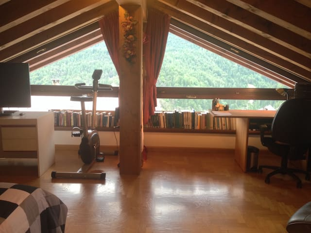Bright spacious attic on the way to Cortina - Venas di Cadore - วิลล่า
