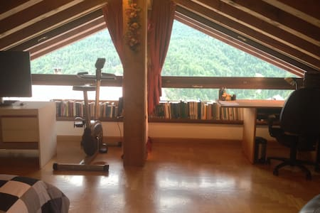 Bright spacious attic on the way to Cortina - Villa