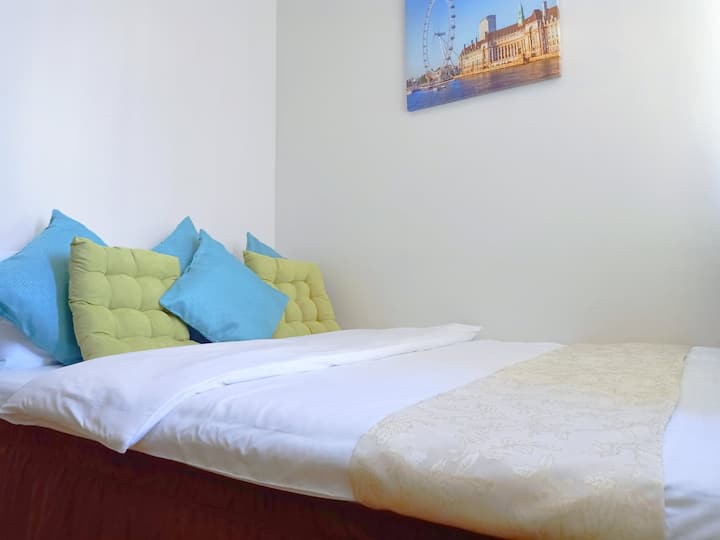 Comfort & Luxury in Bonifacio Global City Mckinley