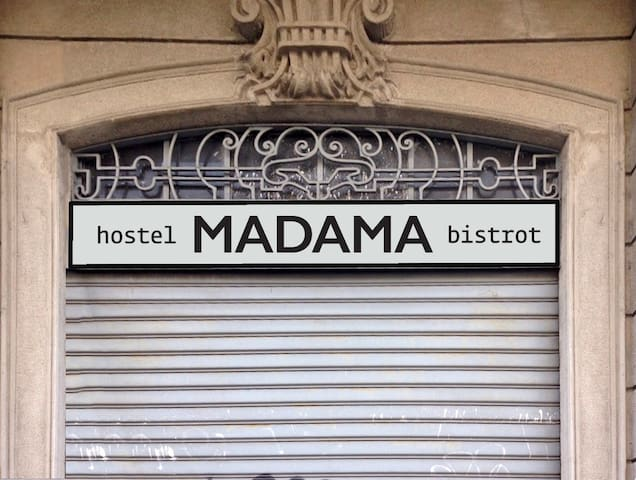 6 Bed Female Dorm @ Madama Hostel - Free breakfast