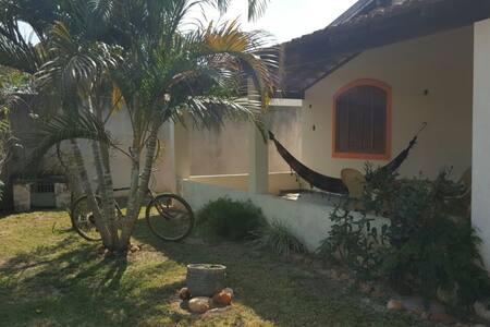 Casa em S.Pedro da Aldeia com Amplo espaço - São Pedro da Aldeia