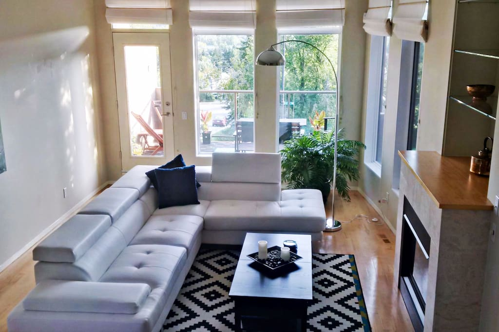 Living Room with outdoor patio