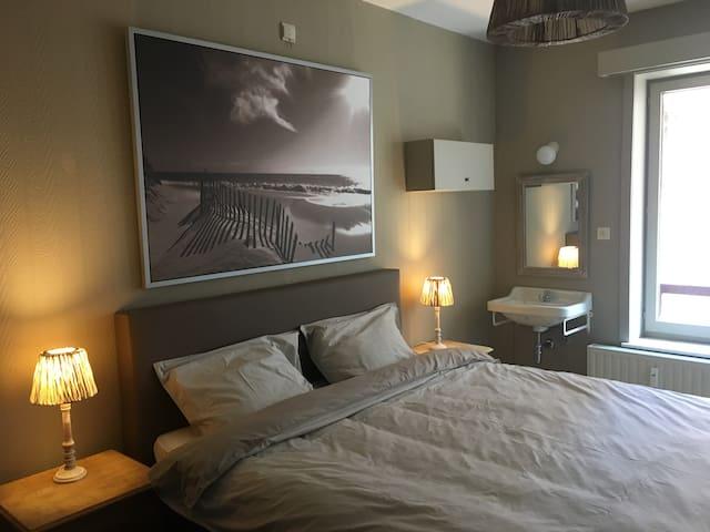 Oostende (Mariakerke)-appartement-vlakbij strand