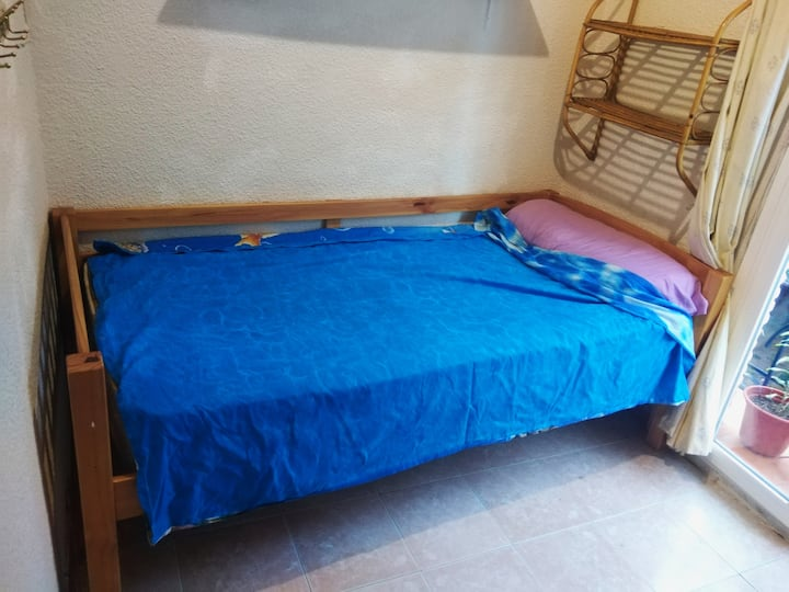 cozy room in Madrid, good location