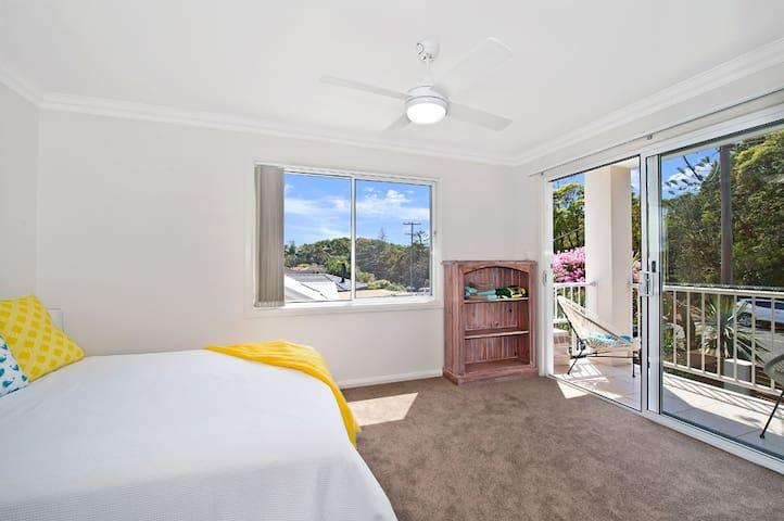 New and Modern Shelly Beachhouse at Port Macquarie - Port Macquarie - Hus