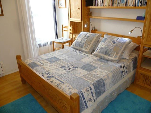 Chambre 1 (lit 140x190m)