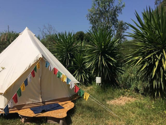 Riverheart Bell Tent - glamping in the gardens