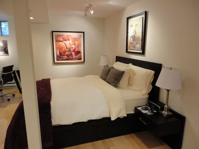 Newly renovated, fully furnished apartment