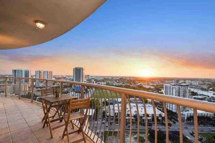 ⋆ High Rise Views Next to Miami Beach ⋆